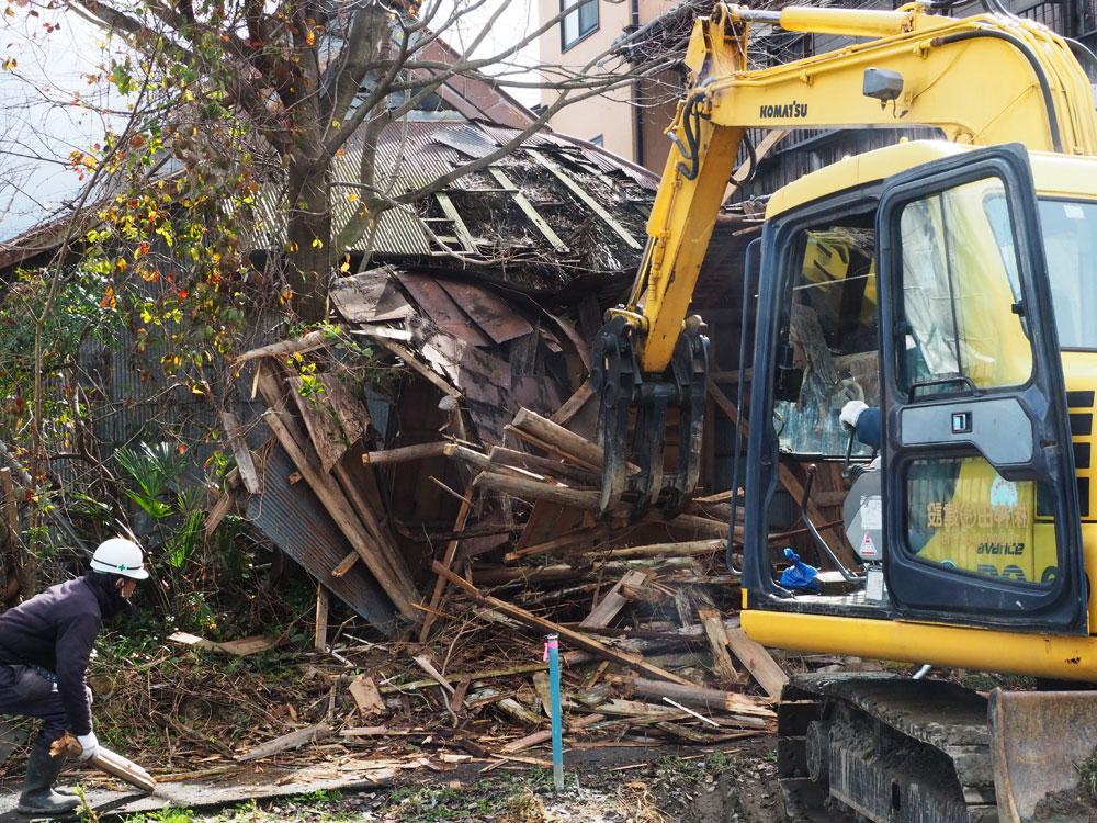 倒壊恐れの空き家、代執行で解体着手 滋賀県高島市 : 京都新聞